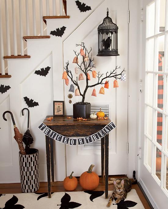 halloween-hallway