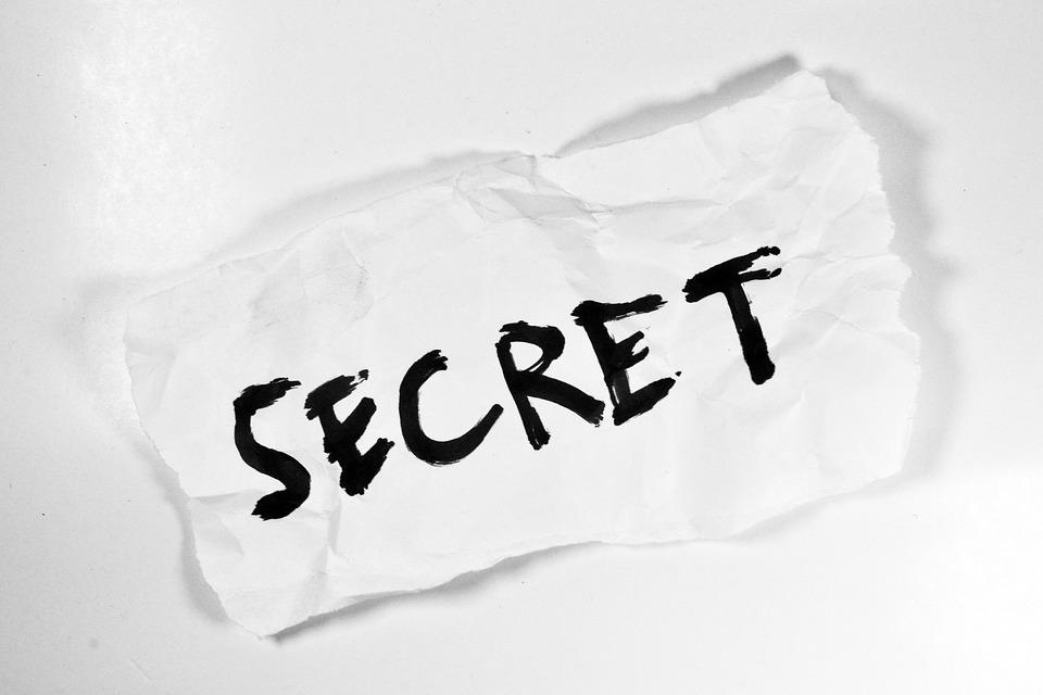 Note saying SECRET